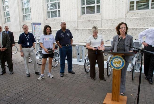 Houstonb-cycle press conference