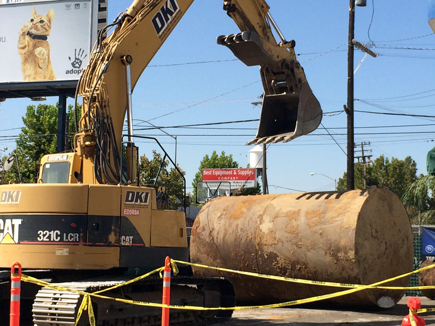 Removal Of Underground Storage Tanks In Fresno, California   August 27,  2014. Click An Image To See A Larger Version.